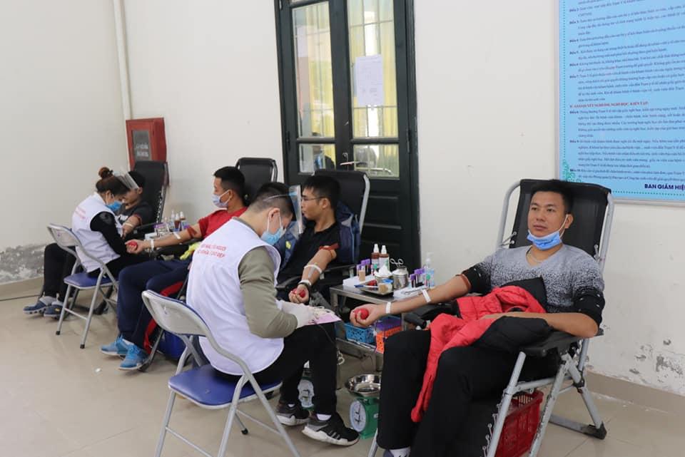 """Báo Giáo dục và Thời đại đưa tin về phong trào hiến máu tình nguyện của nhà trường với tiêu đề """"Lan tỏa phong trào hiến máu tình nguyện tại Trường Đại học Sư phạm TDTT Hà Nội"""""""